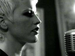 the-cranberries-hommage-a-dolores-o-riordan-en-5-chansons